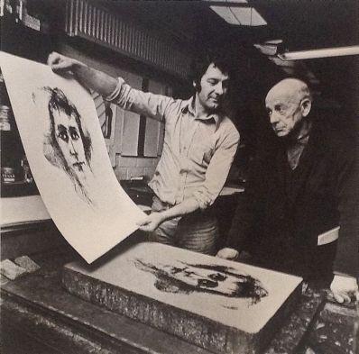 Kunstenaar Paul Citroen A178, Paul Citroen Map Adams en Eva's, Linnen map met 12 litho's, Ieder blad heeft de beeldmaat: 77 cm x 57 cm, is genummerd (47/100) en gesigneerd door Paul Citroen. De map is compleet en litho's verkeren in uitstekende staat.
