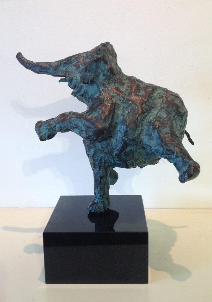 Bronzen beelden te koop van kunstenares A2140 Marjolijn Dijkuis Brons, 27 cm hoog Oplage: 1 van 7, Expositie Galerie Wijdemeren Breukeleveen