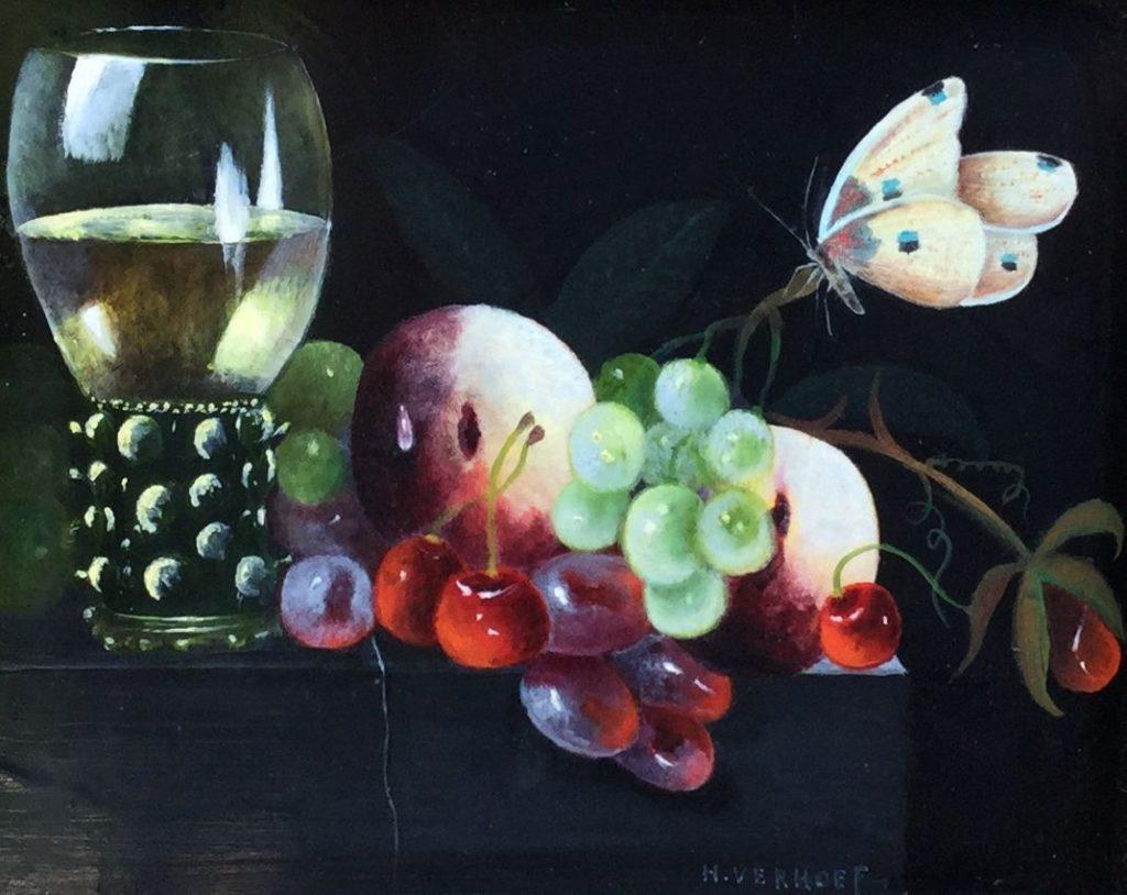 A8157 Hans J. Verhoef Stilleven met fruit, vlinder en wijnglas Olie op paneel, paneelmaat14,5 x 18 cm rechtsonder gesigneerd, schilderijen te koop bij galerie wijdemeren breukeleveen, kunst te koop, exposities
