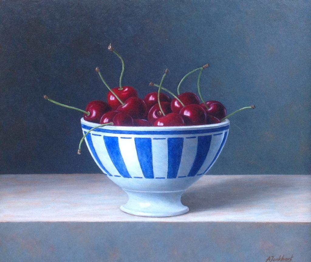 A8479, Annelies Jonkhart Kom uit de Provence, Stilleven met kersen olieverf op paneel, 25 x 23 cm r.o. gesigneerd verkocht, te koop bij Galerie Wijdemeren Breukeleveen, schilderijen, expositie