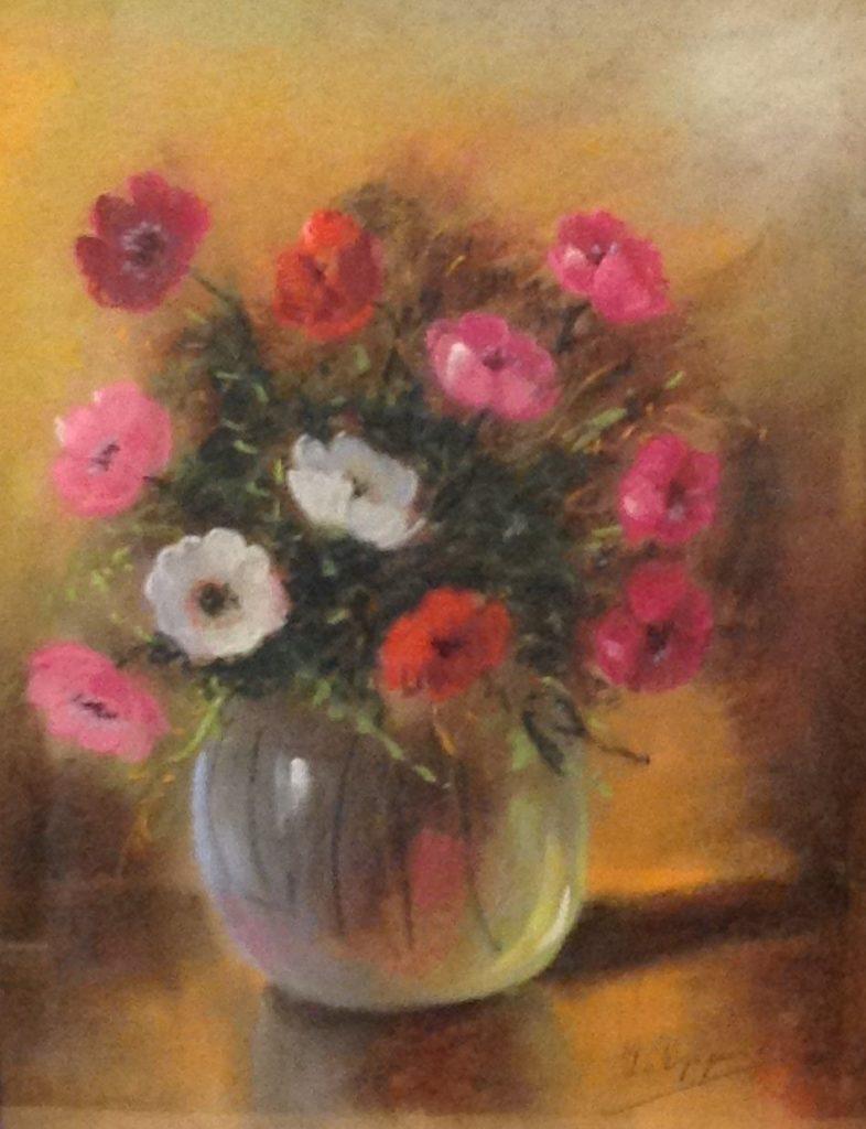 Schilderijen te koop, kunstschilder H.J. van Wijngaarden Bloemstilleven pastel op papier, beeldmaat 42 x 30 cm rechtsonder gesigneerd, expositie Galerie Wijdemeren Breukeleveen