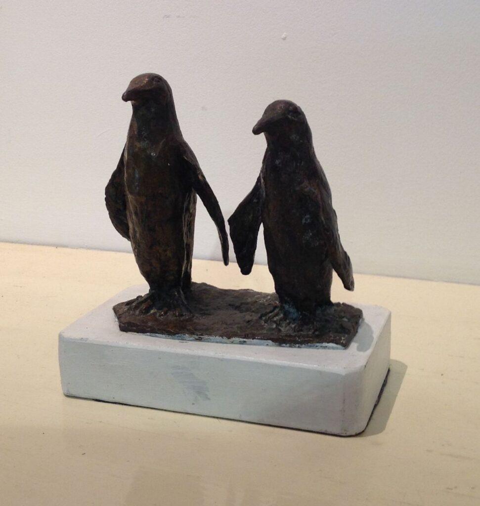 Kunstenaar Tanja Saalborn C1243, Tanja Saalborn Pinguins Brons, ca 12 cm hoog Verkocht