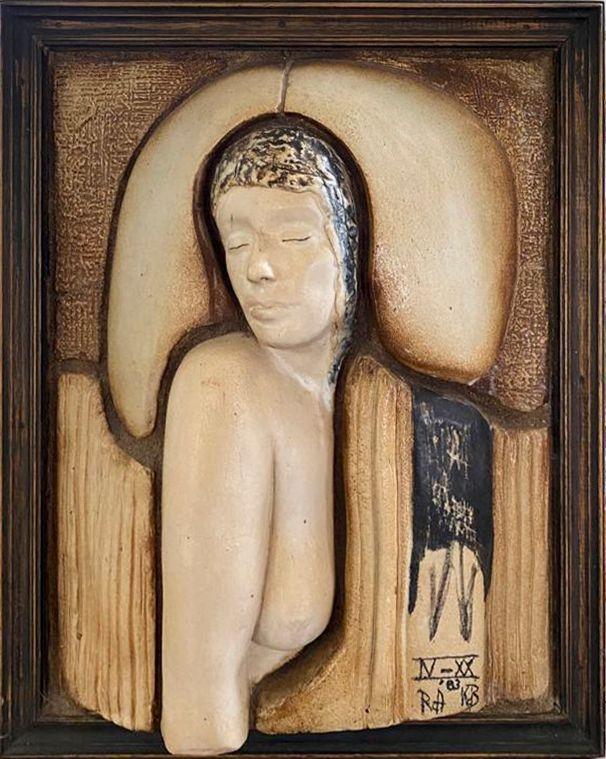 Kunst te koop bij Galerie Wijdemeren, ook object N-XX-RA Keramiekobject, afmeting 67.5 x 54.5 cm rechtsonder gesigneerd en gedateerd '83