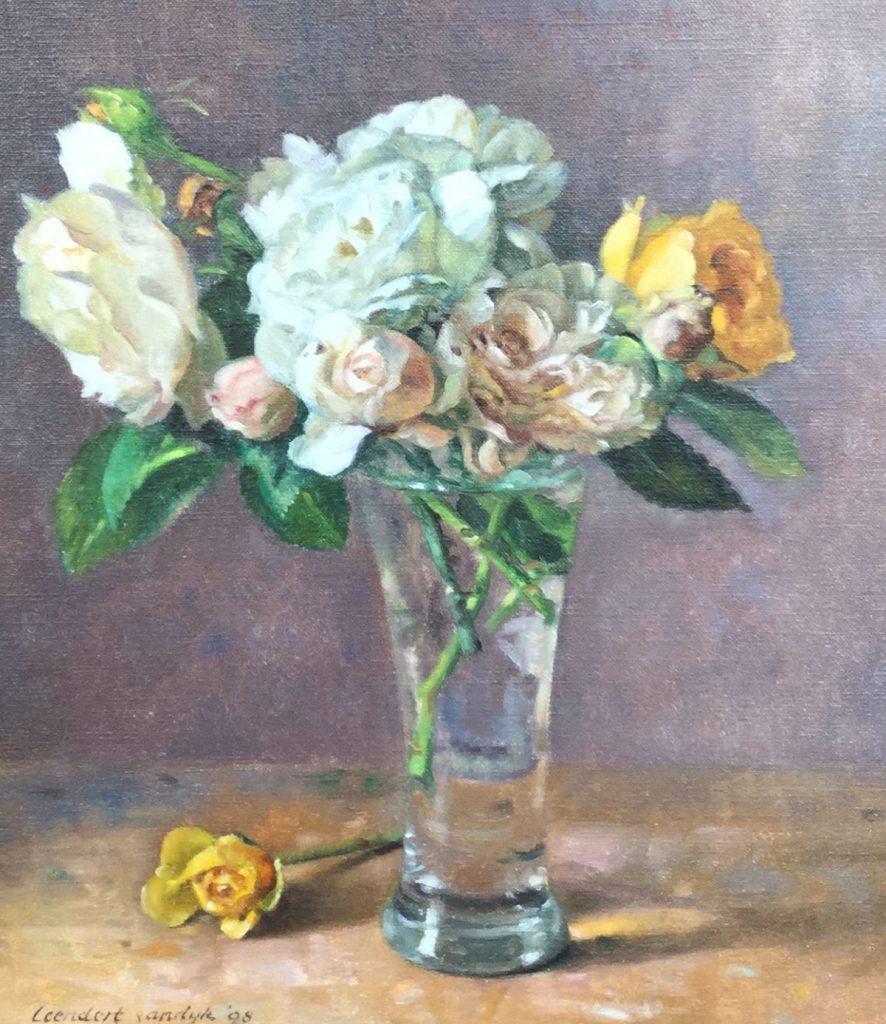 Schilderijen te koop van kunstschilder Leendert van Dijk, C2471 stilleven met bloemen olie op doek, 35 x 30 cm gesigneerd l.o, Expositie Galerie Wijdemeren Breukeleveen