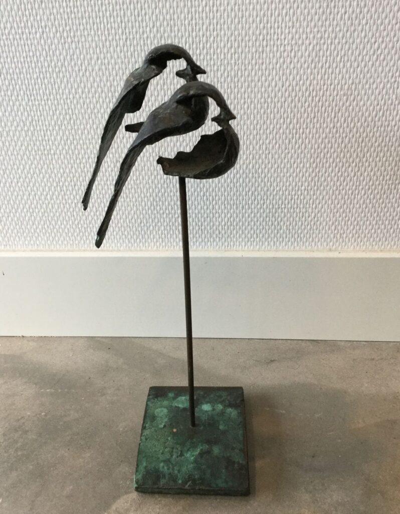 Kunstenaar Goke Leverland C2787, Goke Leverland Twee vogeltjes brons, ca. 37 cm hoog Verkocht
