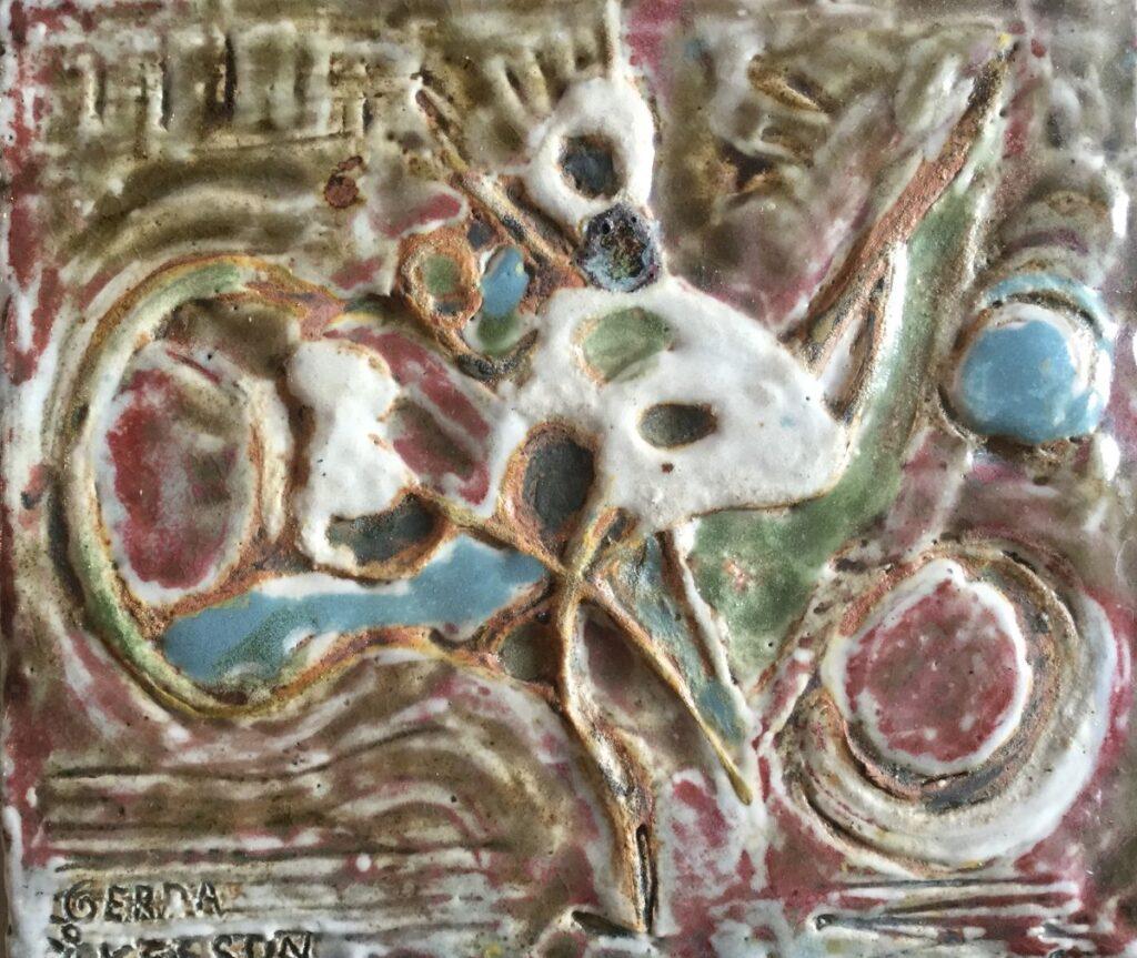 Kunstenaar Gerda Akesson C3432 Gerda Akesson Plaquette keramiek, 24 x 27,5 cm verso gesigneerd en l.o. in de voorstelling