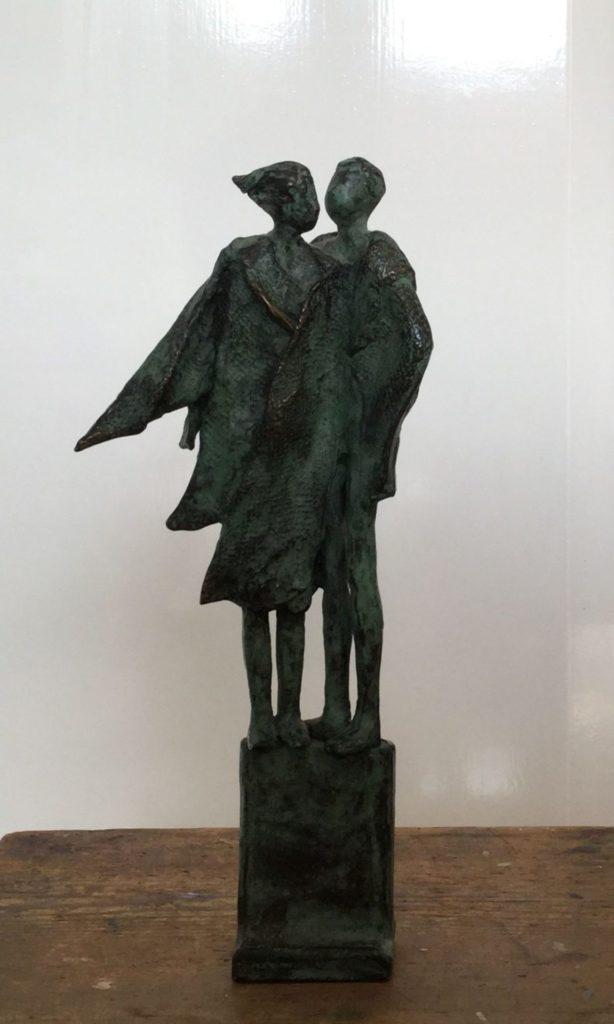 Beelden te koop van kunstschilder Anke Birnie Close brons, oplage 39/40, ca. 26 cm hoog gesigneerd onderzijde, Expositie Galerie Wijdemeren Breukeleveen