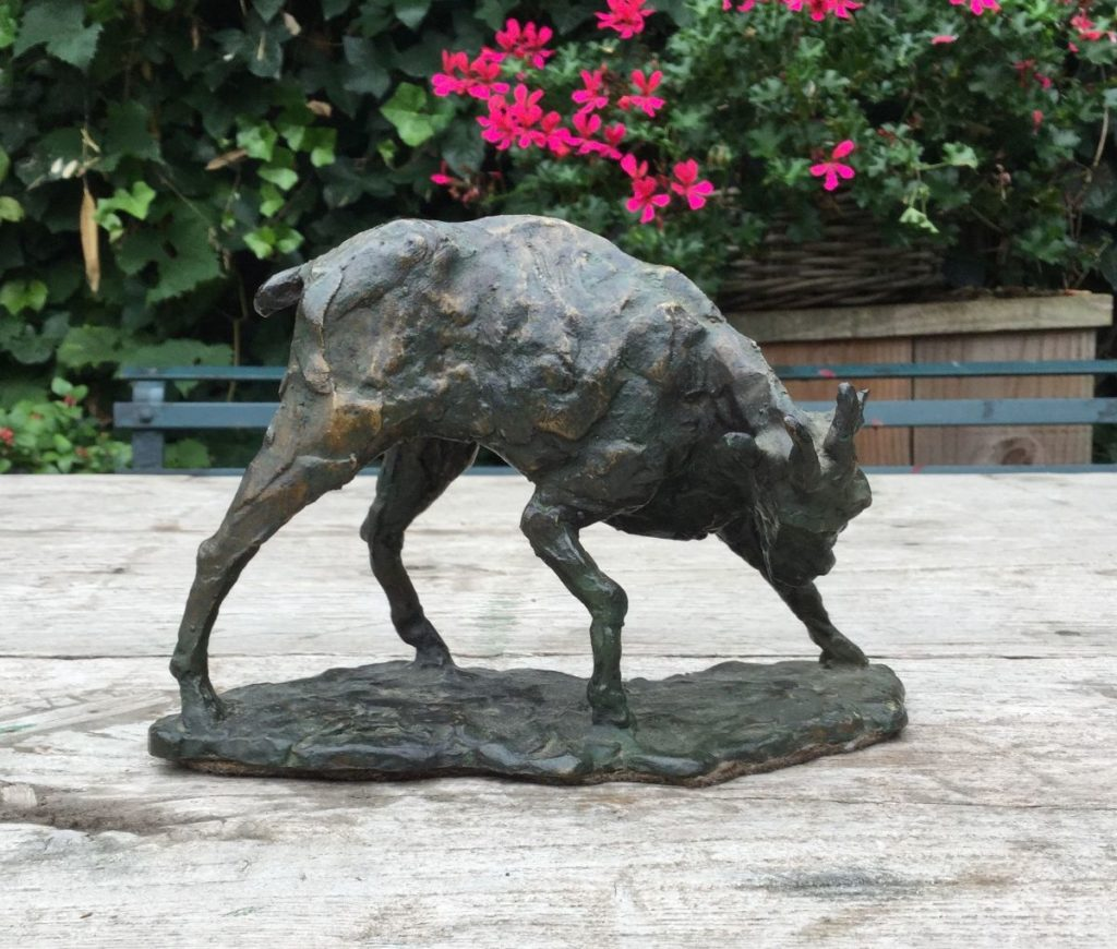 Kunst te koop Geitje brons, ca. 12.5 cm hoog, Expositie Galerie Wijdemeren Breukeleveen
