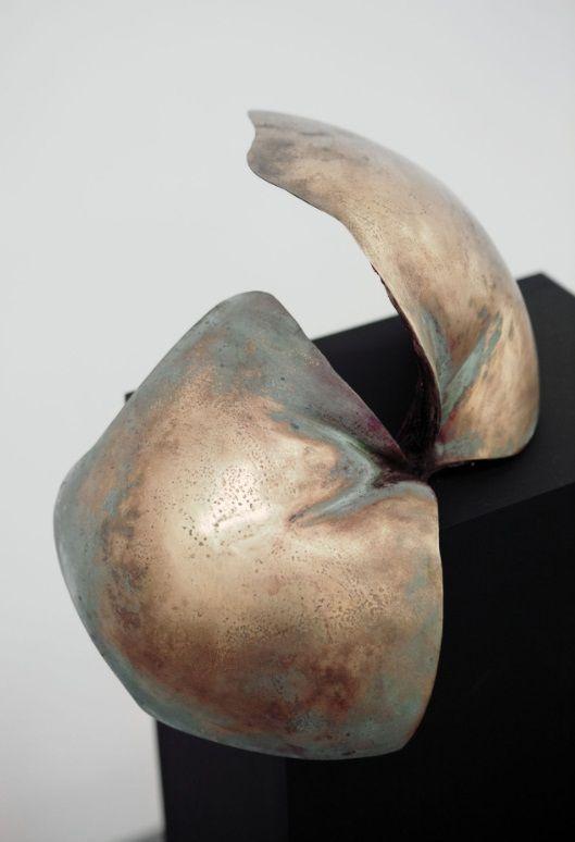 Farzaneh Abdoli Joints Brons, koperdraad, hars, 35 x 35 x 25 cm, galerie wijdemeren breukeleveen, kunst te koop