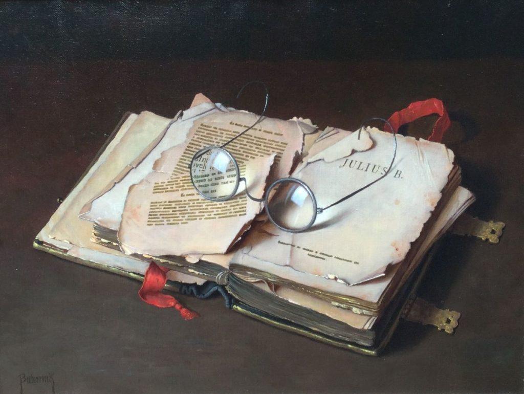 Kunst te koop bij Galerie Wijdemeren Breukeleveen, Gyula Bubarnik Stilleven, Boek met bril olie op doek, 30 x 40 cm linksonder gesigneerd