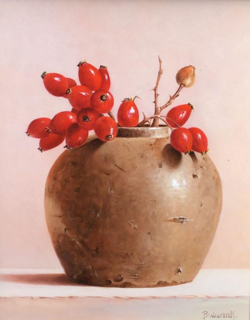 Kunst te koop bij galerie Wijdemeren Breukeleveen, Gyula Bubarnik Stilleven Bessen in gemberpot olie op multiplex, 30 x 24 cm rechtsonder gesigneerd