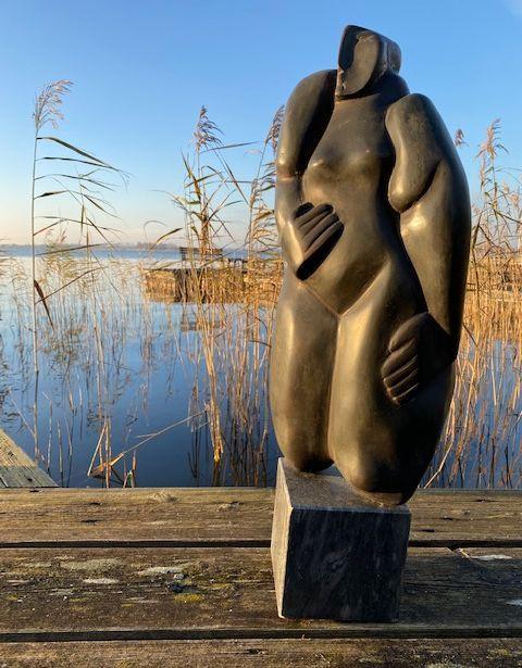 Kunst te koop bij galerie Wijdemeren van Theo Mackaay zonder titel brons, 59cm