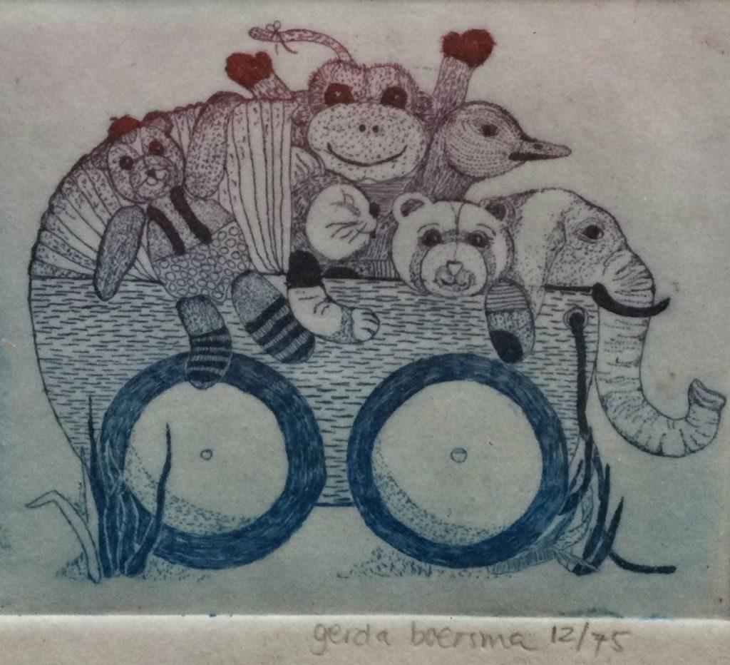 schilderijen te koop van kunstschilder, Gerda Boersma Kinderwagen met knuffeldieren kleurenets, beeldmaat 5.5 x 7 cm. oplage 12/95 rechtsonder handgesigneerd, expositie, galerie wijdemeren breukeleveen