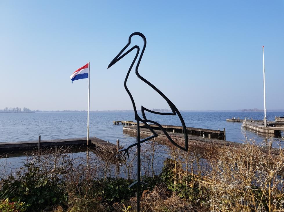 Kunstenaar Joost Zwagerman C562, Joost Zwagerman, 'Ooievaar' 280 cm hoog vanaf de grond gemeten