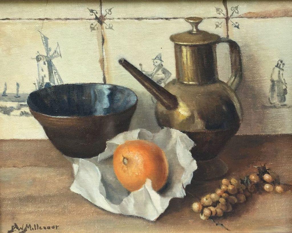 Kunstenaar Peter Wilhelm Millenaar C774 P.W. Millenaar Stilleven met koperen kan en mandarijn tegen tegeltableau maroufflé, doekmaat 24,5 x 30 cm linksonder gesigneerd